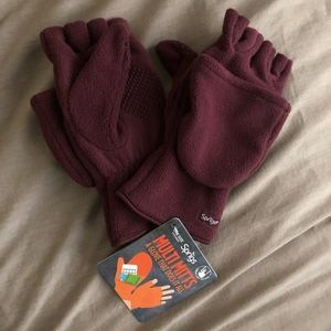 Burgundy Sprigs Multi Mitts NWT